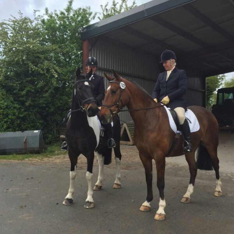 Mercian Dressage to Music May 2016 Bev & Lisa take a break